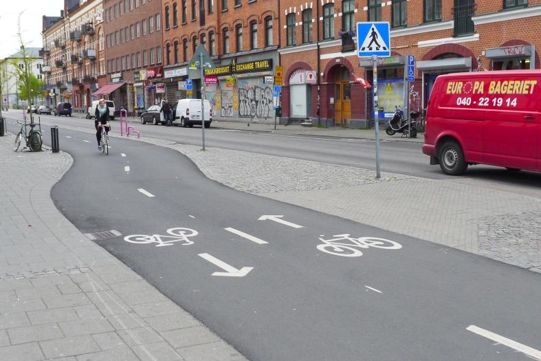 Långa raka cykelbanor Malmö