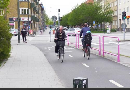 14_Signaler m räcken Malmö beskuren